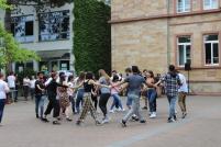 der russische Tanz festigt den Zusammenhalt